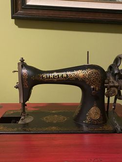 Singer Sewing Machine for Sale in Philadelphia,  PA