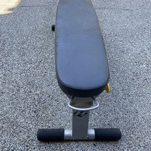 Hoist Flat Weight Bench for Sale in North Bend, WA