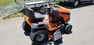 "2018 Husqvarna 42""Riding lawn mower for Sale in Arlington, TX"