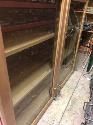Kitchen cabinet glass for Sale in Las Vegas, NV