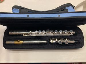 Flute and case for Sale in Murfreesboro, TN