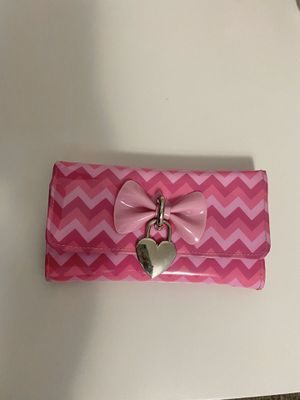 Pink Chevron Wallet from Claire's for Sale in Upland, CA