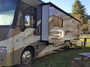 RV / Motor home in excellent condition! for Sale in Biltmore Lake, NC