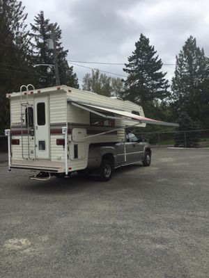 "Caribou Truck Camper 11' 6"" KX for Sale in Edgewood, WA"