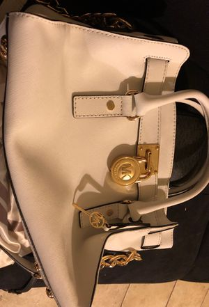 Michael Kors White Hamilton Bag for Sale in El Centro, CA