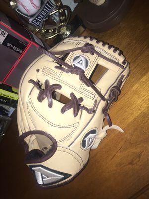 Akadema ARN5 Baseball Glove for Sale in Pinole, CA