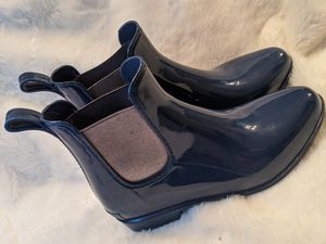 Rain Boots LAUREN by Ralph Lauren Womens TALLY Round Toe Ankle, Navy/Silver, Size 7 for Sale in Santa Clarita, CA