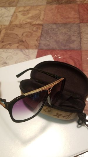 louis vuitton men & women sunglasses for Sale in Alexandria, VA
