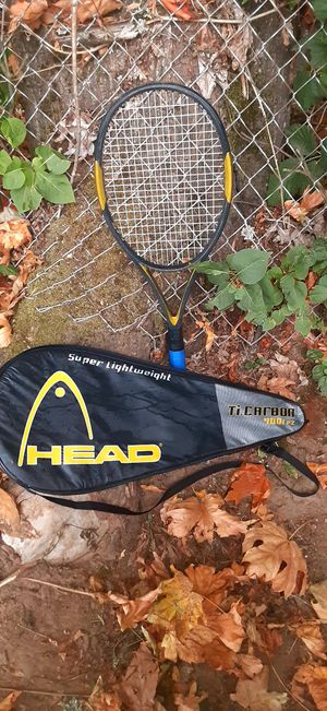 Wilson hammer tennis racket with tennis balls for Sale in Portland, OR