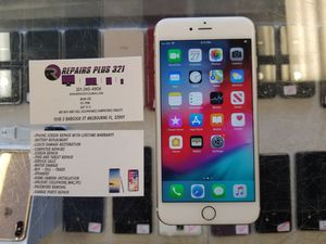 Unlocked Gold iPhone 6S Plus 32gb for Sale in Melbourne, FL