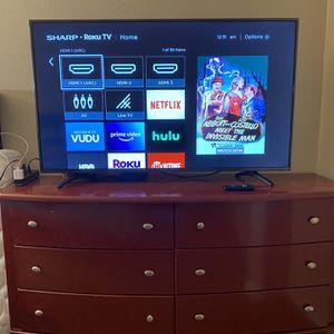55 Inch Roku TV( Sharp Brand ) for Sale in Tustin, CA