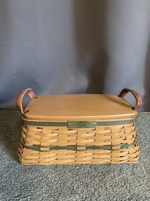 Longaberger Christmas Collection 2002 Edition Traditions Basket for Sale in Puyallup, WA