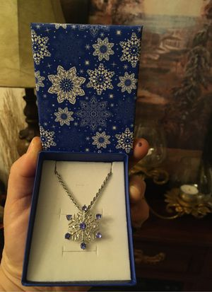 Winter necklace for Sale in Perris, CA