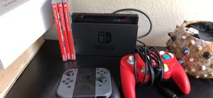 Like new switch with games and controllers for Sale in Saint Petersburg, FL