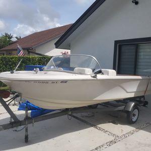 Beautiful Pere Marquette Vintage Boat Center for Sale in Miami, FL