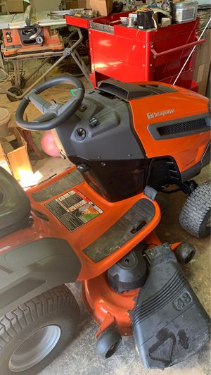 Riding lawn Mower less than 82hours for Sale in Fort Worth, TX