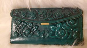 Green leather wallet for Sale in Fresno, CA