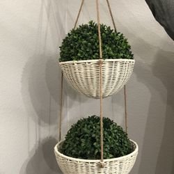 Hanging Planter Basket for Sale in Hutto,  TX