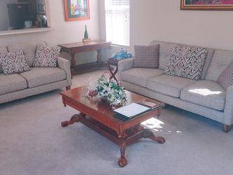 Excellent Condition Beautiful Furniture for Sale in Las Vegas,  NV