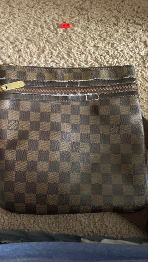 Louis Vuitton Paris hand bag (read bottom) for Sale in Wheaton-Glenmont, MD