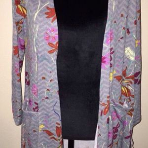 New women's Lularoe Small (6-8) Sarah cardigan with a gray background & floral design. $70 retail cost for Sale in Pinellas Park, FL