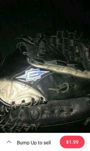 Easton baseball glove for Sale in McKeesport, PA