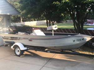 16' Lowe fishing boat for Sale in River Grove, IL
