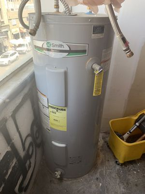 AO Smith signature 55 gallon electric water heater for Sale in Los Angeles, CA