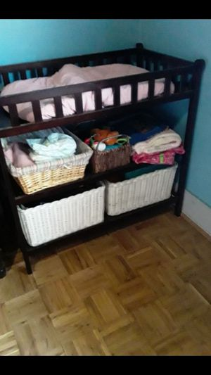 Baby changing table for Sale in CRYSTAL CITY, CA