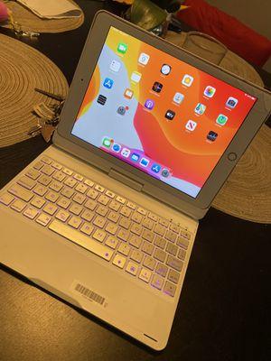 Ipad 6th 128gb LTE for Sale in Orange, CA