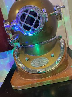 Authentic Navy Diving Helmet For Decoration for Sale in Perth Amboy,  NJ