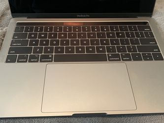 "2017 Macbook Pro 13"" for Sale in San Juan Capistrano,  CA"