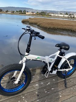 Ecotric Fat Tire Portable and Folding Electric Bike-White and Blue for Sale in Alameda,  CA