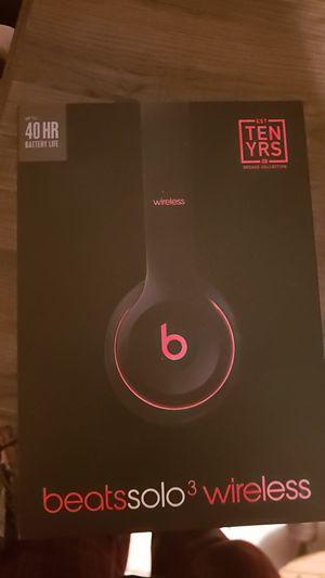 Barely used beats solo 3 wireless for Sale in North Miami Beach, FL