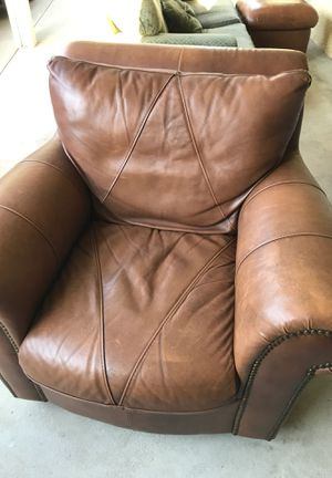 Leather chair for Sale in Clovis, CA
