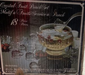 Crystal fruit bunch set bowl and cups for Sale in El Centro, CA