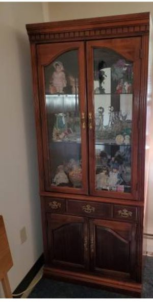 Curio cabinet for Sale in New Rochelle, NY