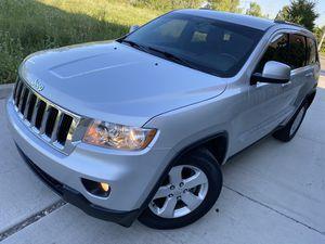 2011 JEEP GRAND CHEROKEE LAREDO 4WD for Sale in Chicago, IL