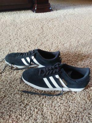 Adidas Sneakerd for Sale in Goodyear, AZ