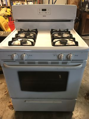 Kenmore natural gas free standing range. Every thing works except the oven doesn't want to light. for Sale in Owasso, OK