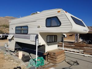 Caribou truck camper for Sale in Apple Valley, CA
