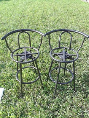 Table and bar stool for Sale in Miami, FL