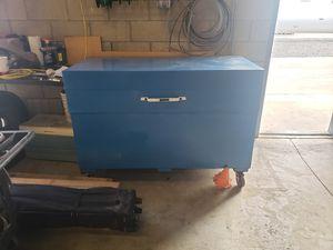 Knaack tool box for Sale in Bakersfield, CA