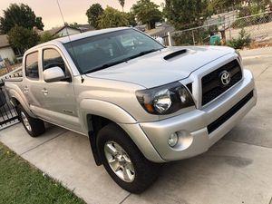 2011 toyota tacoma 4x4 for Sale in Stockton, CA