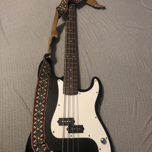 Squier Bass Guitar for Sale in Sacramento, CA