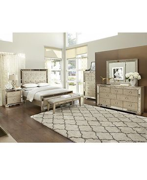 Brand new queen Ava mirrored bedroom set for Sale in Modesto, CA