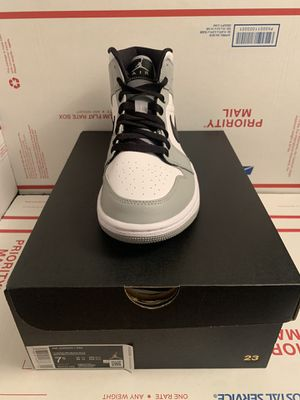 Air Jordan 1 Mid Light Smoke Grey Mens Size 7.5 554724-092 DS *FAST SHIPPING* for Sale in Lutherville-Timonium, MD
