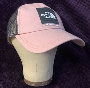The North Face Women's Trucker Baseball Cap for Sale in Hacienda Heights, CA
