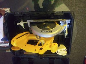 Mint condition heavy duty Dewalt 18 volt circular saw used only once asking 110 dollars price is firm for Sale in Berwyn, IL