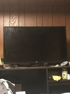 40 inch Lg TV for Sale in University City, MO